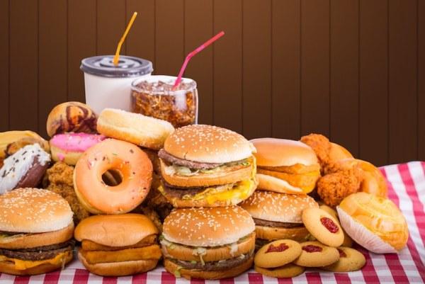 La clientèle des fast-foods à explosé ces dernières années, malheureusement, la nourriture que ceux-ci nous propose est d'une piteuse qualité et donc nocive pour notre corps.