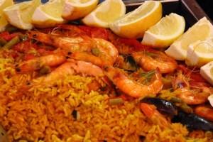 Paella de arroz malagueña