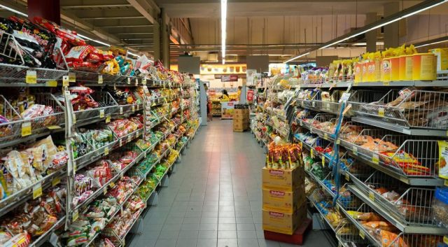grocery-shopping-plastic-everywhere