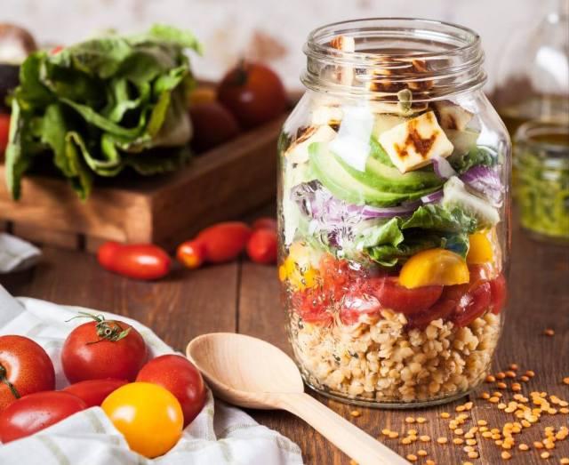 zero-waste-kitchen-jar-sala- lunch