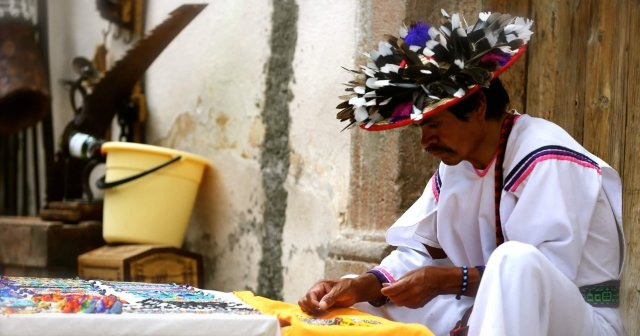 support local artisans Mexico sustainable tourism
