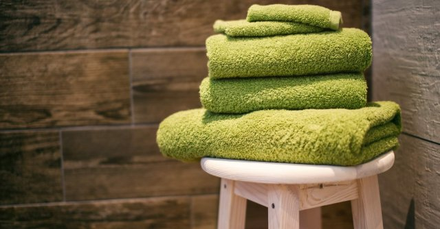 green-towels-hotel