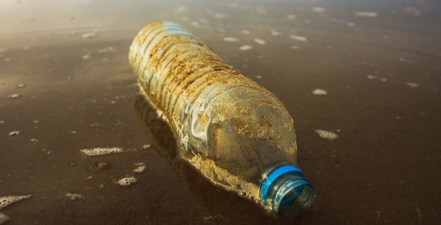 leaving plastic bottles on beaches is a poor eco travel practice