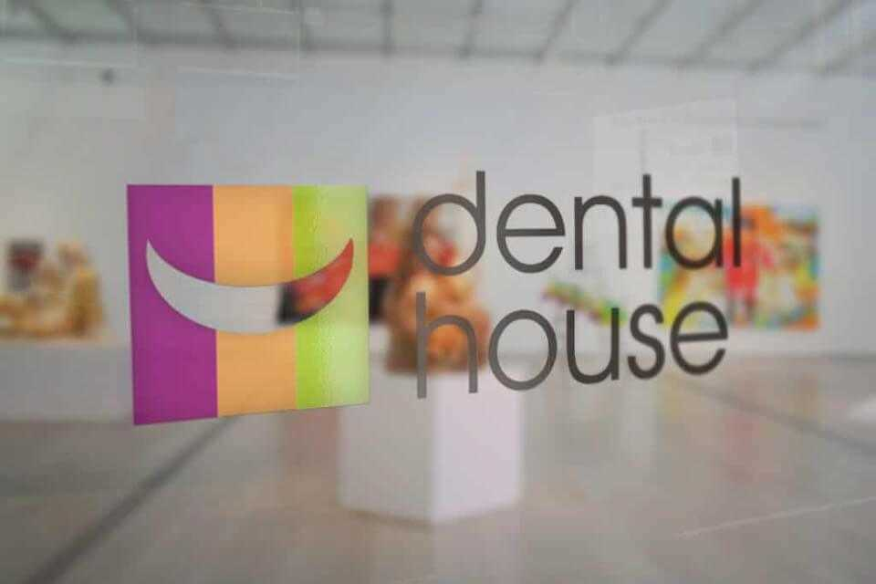 Desain Identity Dental House (Draft)  Portfolio desain sticker logo dental house klinik gigi