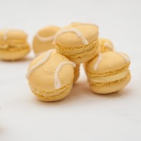 Lemon verbena tennis ball macarons