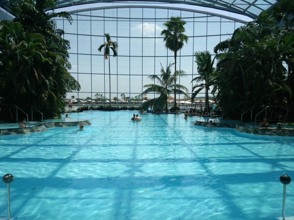 therme bucuresti main pool