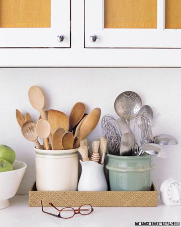 plateau pour les ustensiles dans la cuisine