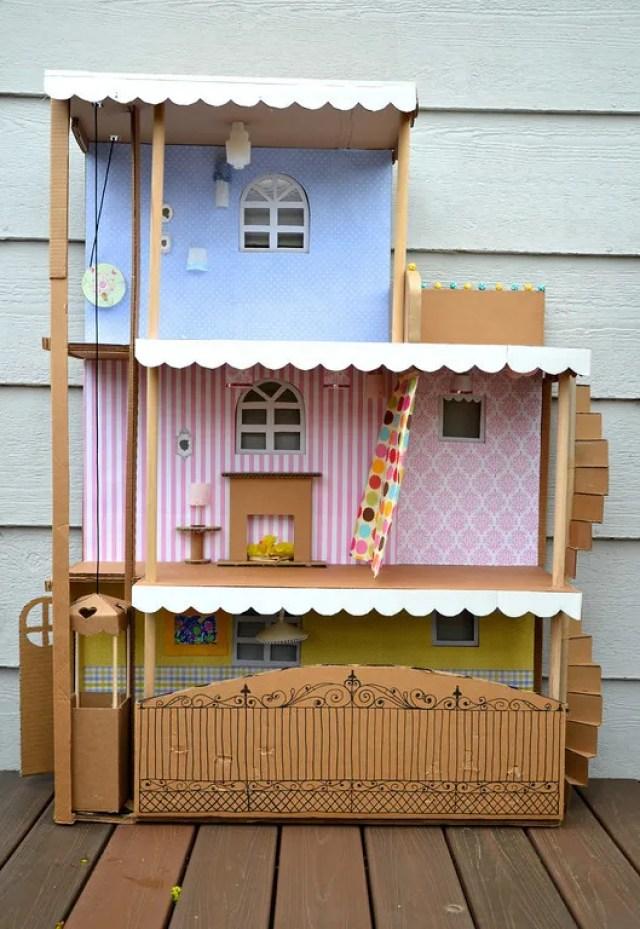maison de barbie en carton