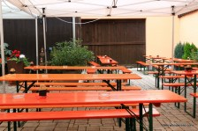 empy biergaren benches