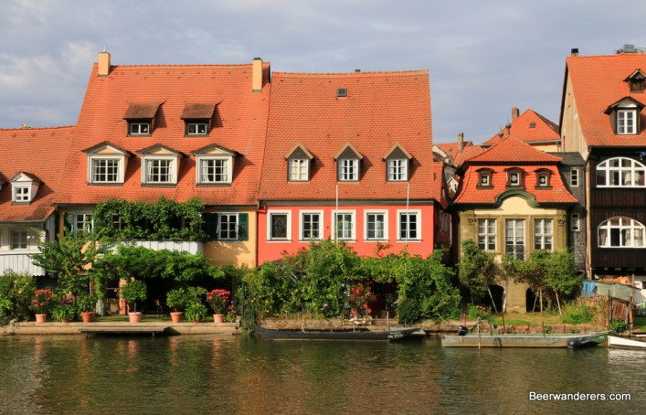 river houses