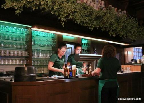lindenbräu bar area