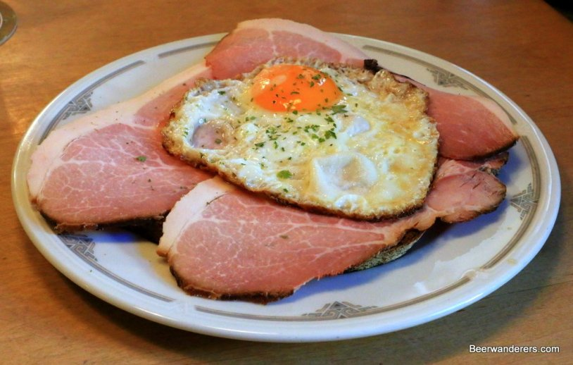 eggs and ham on bread