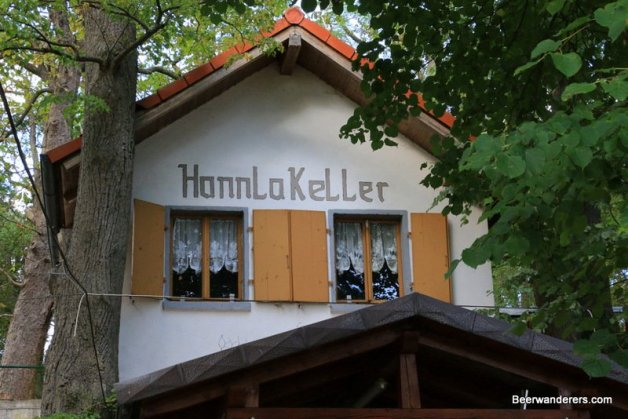 beer keller hut