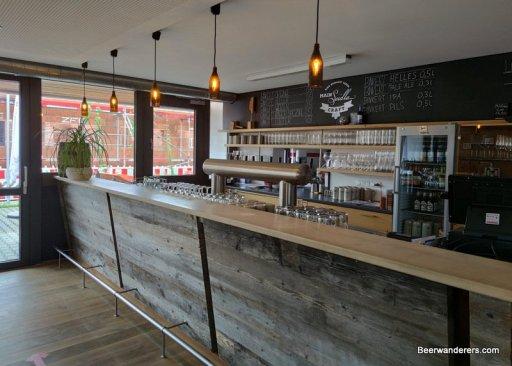 bar in modern pub