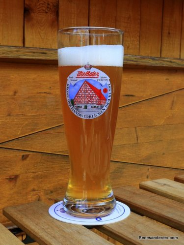 weissbier in log glass