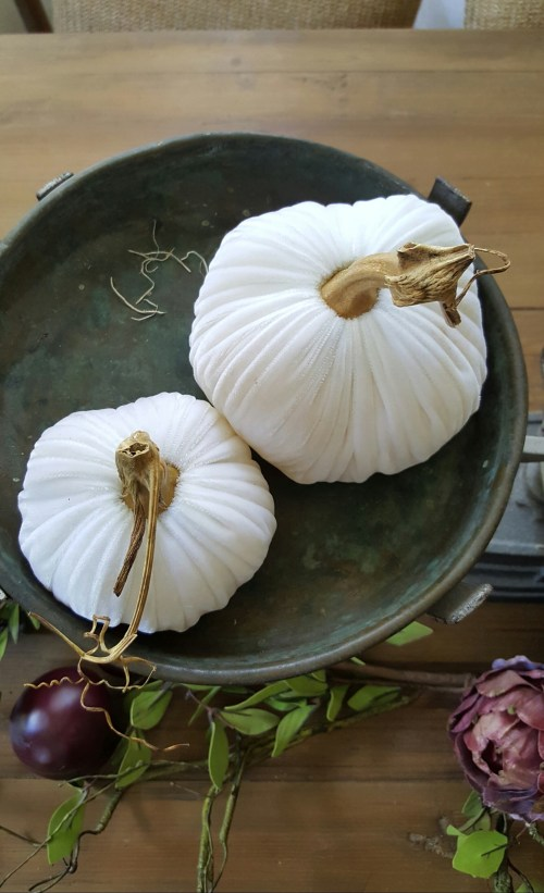 shop the house design challenge fall edition white pumpkin dining tablescape