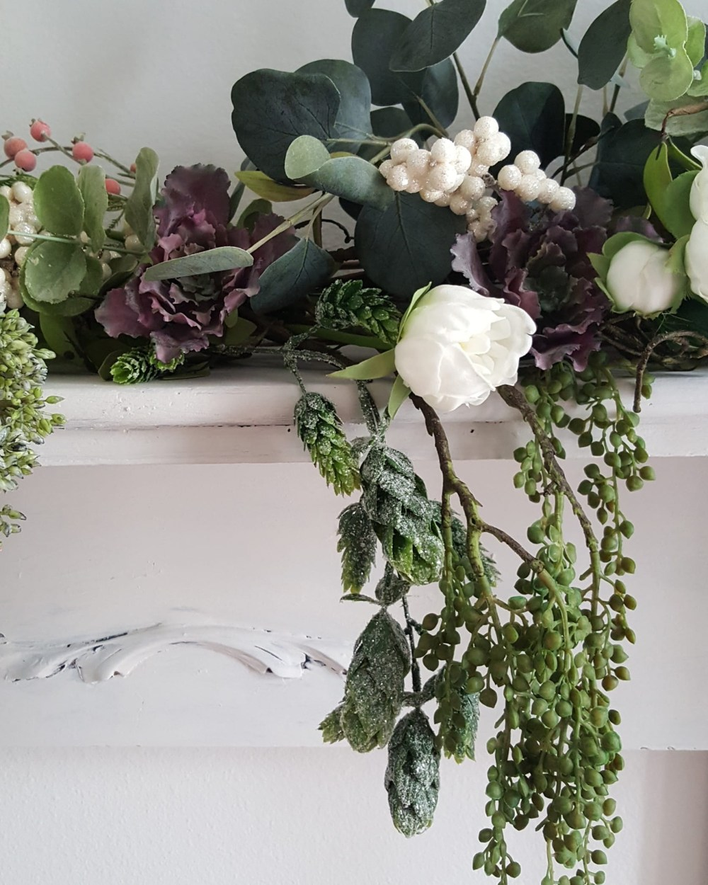 Decorate Mantel Fall Winter Faux Flowers White Neutral Design Candles Vintage Fireplace Decorate Ideas Wood Mirror Succulents Peonies Berry Branches Eucalyptus Afloral Antique Decor Inspiration