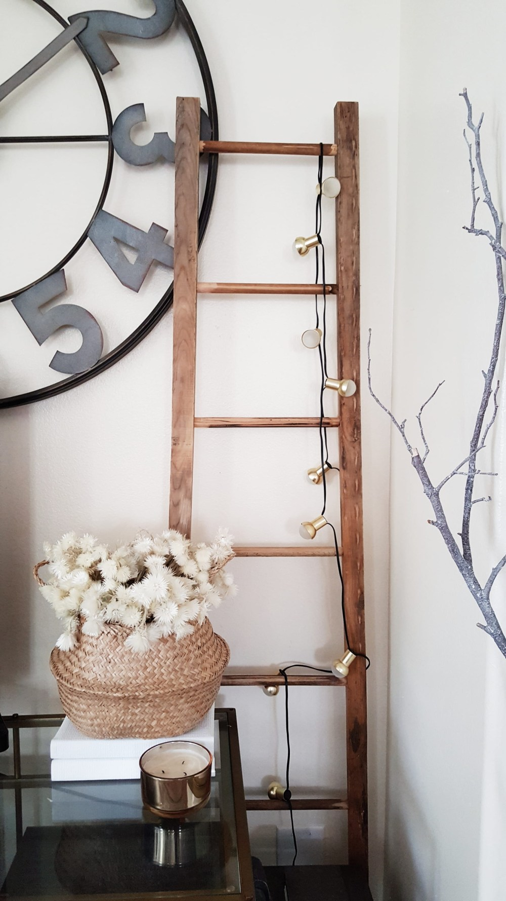 Modern Farmhouse Eclectic Industrial Decor Design Wood Ladder Vintage Antiques Rugs Living Room Inspiration Black and White Scandinavian Decor Decorating ideas Fall Winter