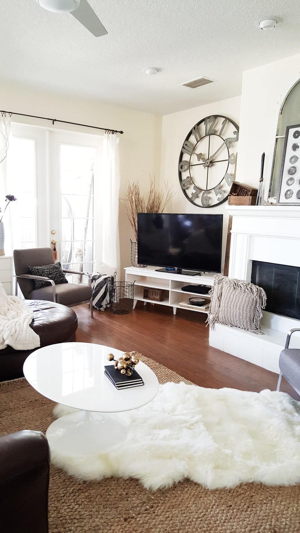 New Look For The New Year A Modern Eclectic Living Room
