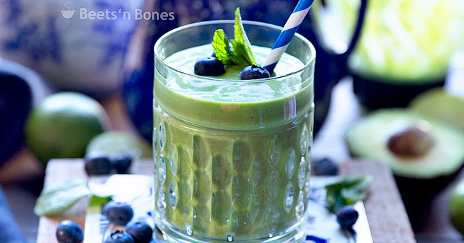 Green Smoothie {that doesn't hurt my taste buds}