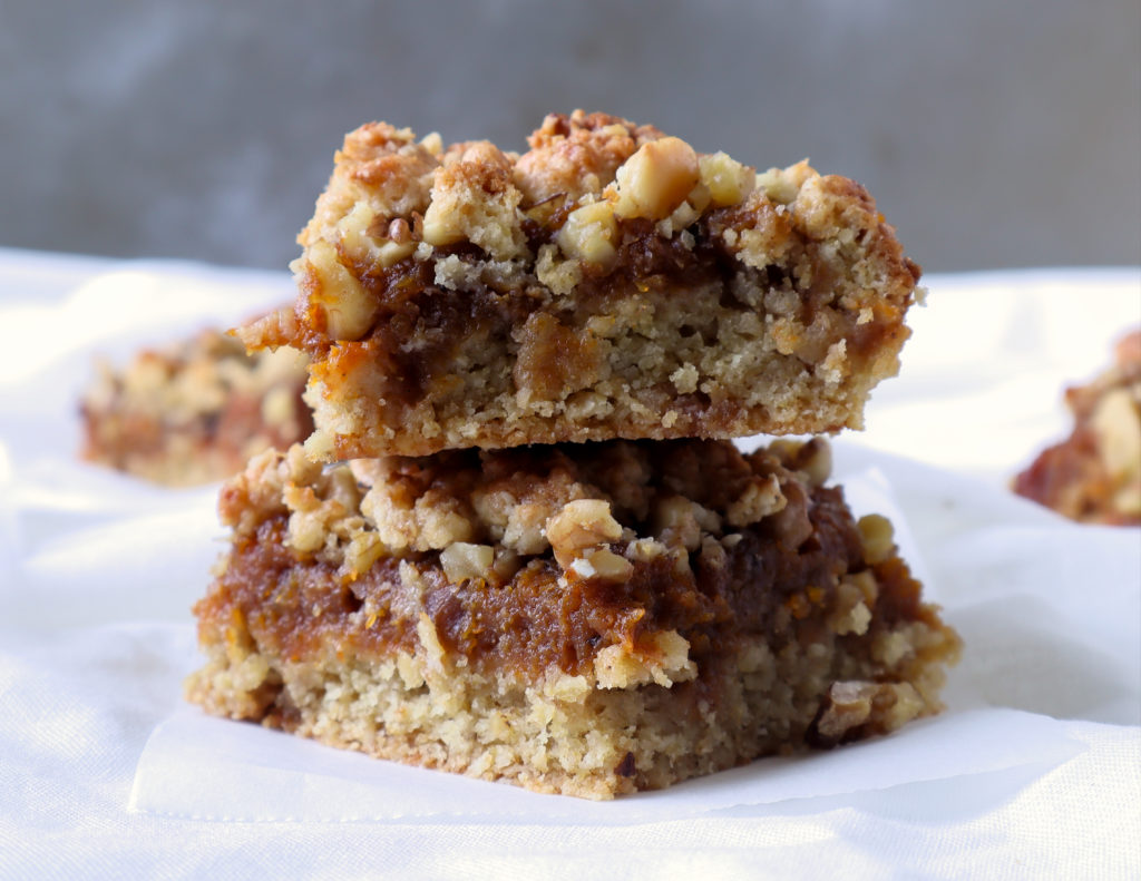 ROASTED BUTTERNUT SQUASH AND PUMPKIN SPICE CRUMBLE BARS