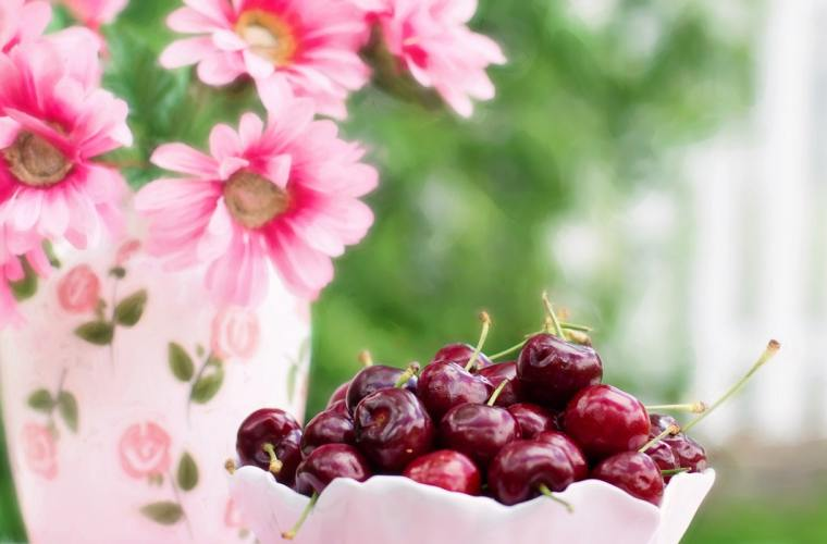 Why Eat Cherries While Pregnant?