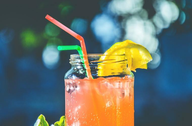 Peach Juice: Benefits and Side Effects