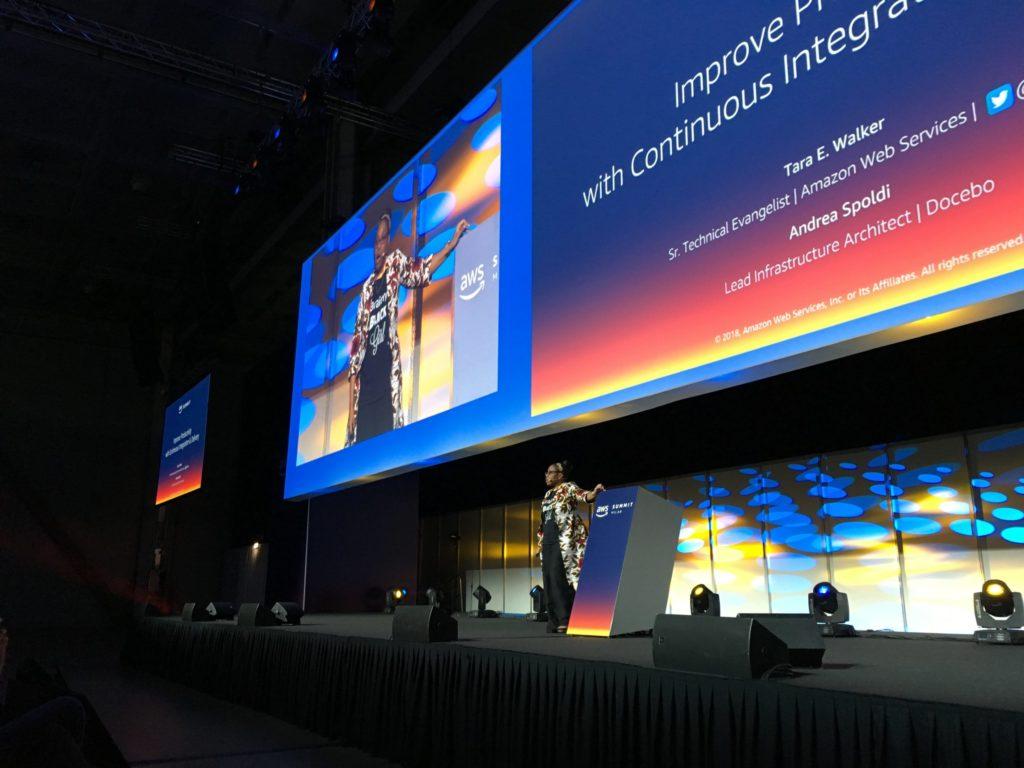 Tara Walker speaking at the AWS Summit Milan 2018
