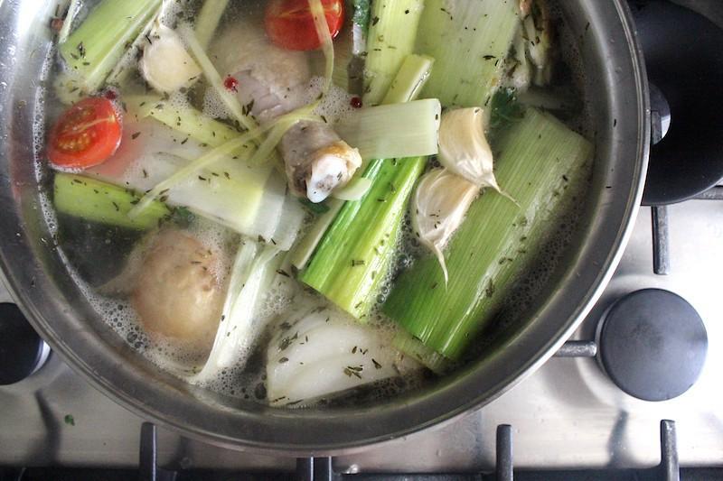 5 zelf kippensoep maken