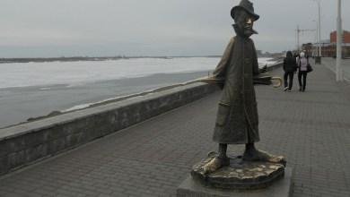 صورة تماثيل تشيخوف في روسيا