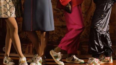 """صورة """"غوتشي"""" تُثير الجدل عبر مواقع التواصل بحذاء """"متسخ"""".. لن تُصدق ثمنه"""