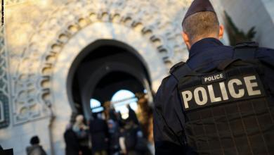 صورة إصابة شخصين في إطلاق للنار أمام أحد المساجد في فرنسا