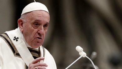 """صورة البابا في العراق .. الطيب وعون يرحبان .. و""""حداد"""" تطالبه بتعويض مسيحيي العراق ماديًا ومعنويًا !"""