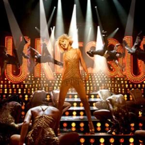 Christina Aquilera & Kristen Bell's (Not So) Dirty Dancing