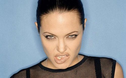 Pitt and Jolie on Jealous Fits?