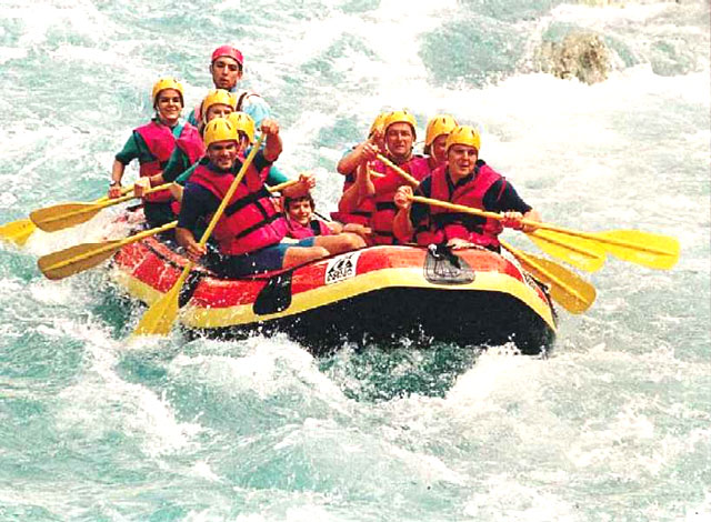 O Club is Going for Rafting