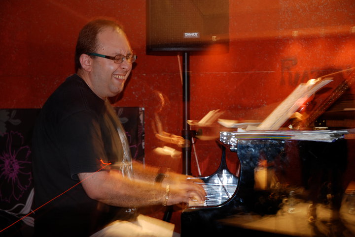 Arthur Satyan Acoustic Ensemble Live At Razz'zz Jazz Club