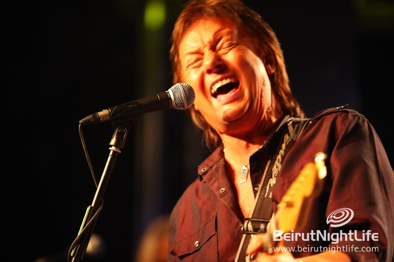 """Lebanon Sings """"Living Next Door to Alice"""" Live with Chris Norman"""