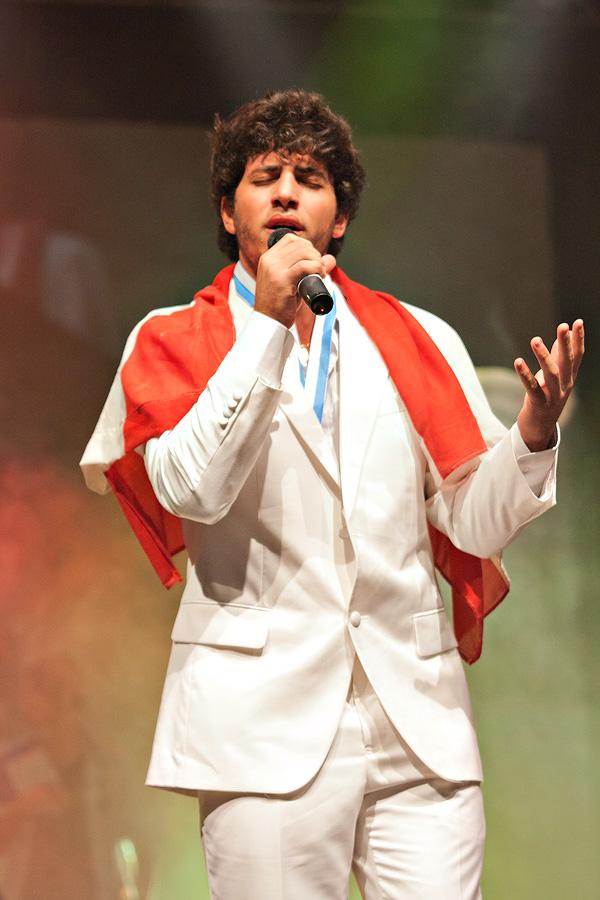 Lebanese Wins Karaoke World Championships 2011