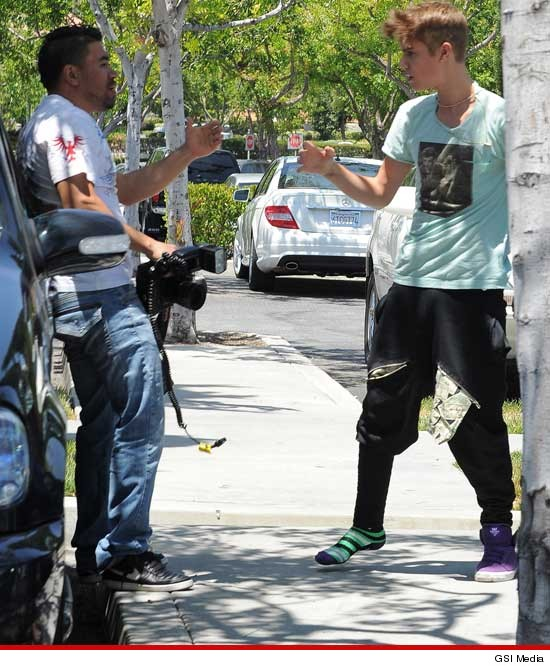 Did Justin Bieber Beat Up A Photographer?