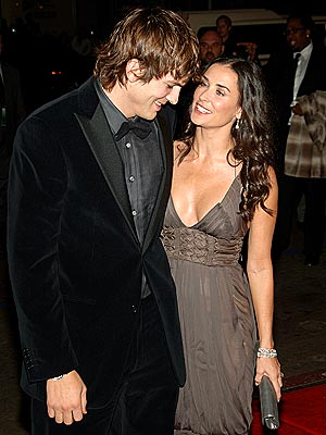 demi moore and ashton kutcher back together