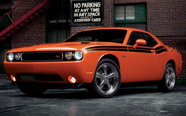 2013-Dodge-Challenger-RT-Classic-