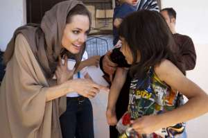 Angelina Jolie sells jewelry line to fund overseas schools