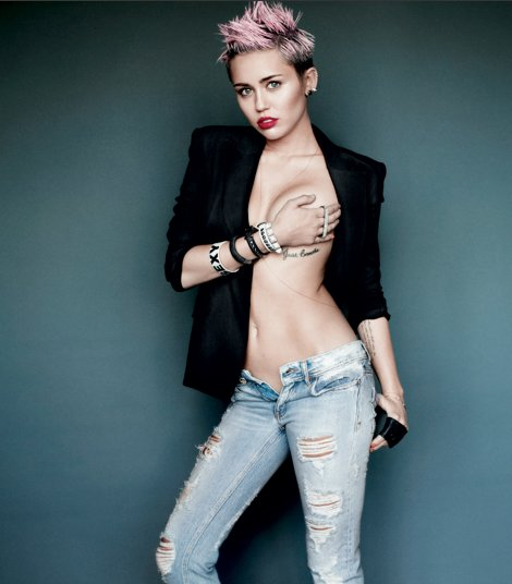 xmiley-cyrus-breast.png.pagespeed.ic.9Dqz8rEilx