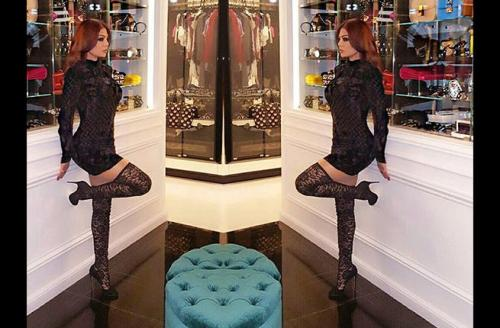 Diva Haifa Wehbe stuns fans with an amazing black ensemble