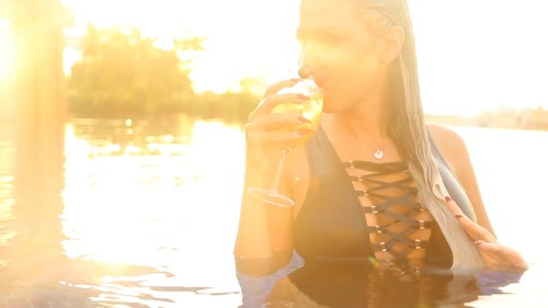 Sunset chilling in the pool with Aline Ourfalian