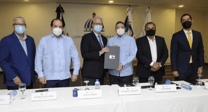 MLB y Ministerio de Deportes construirán estadios en 30 provincias