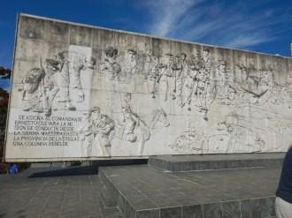 Monument vid revolutionsplatsen