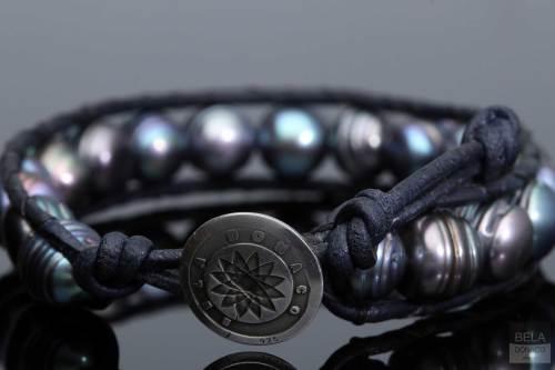 Armband Classic B9 – Zwarte Parel – nachtblauw leder – Sterling Zilver