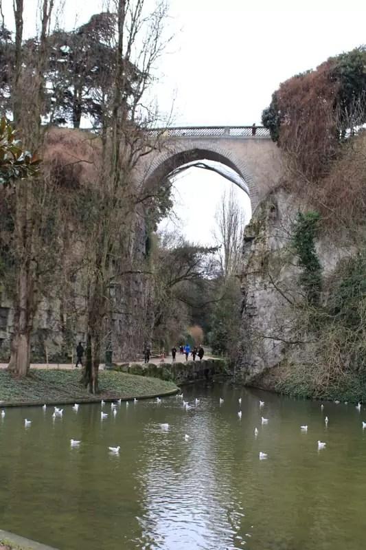 Parc des Buttes-Chaumont bridge, paris arrondissements map, best places to visit in paris, paris arrondissements map, best places to visit in paris